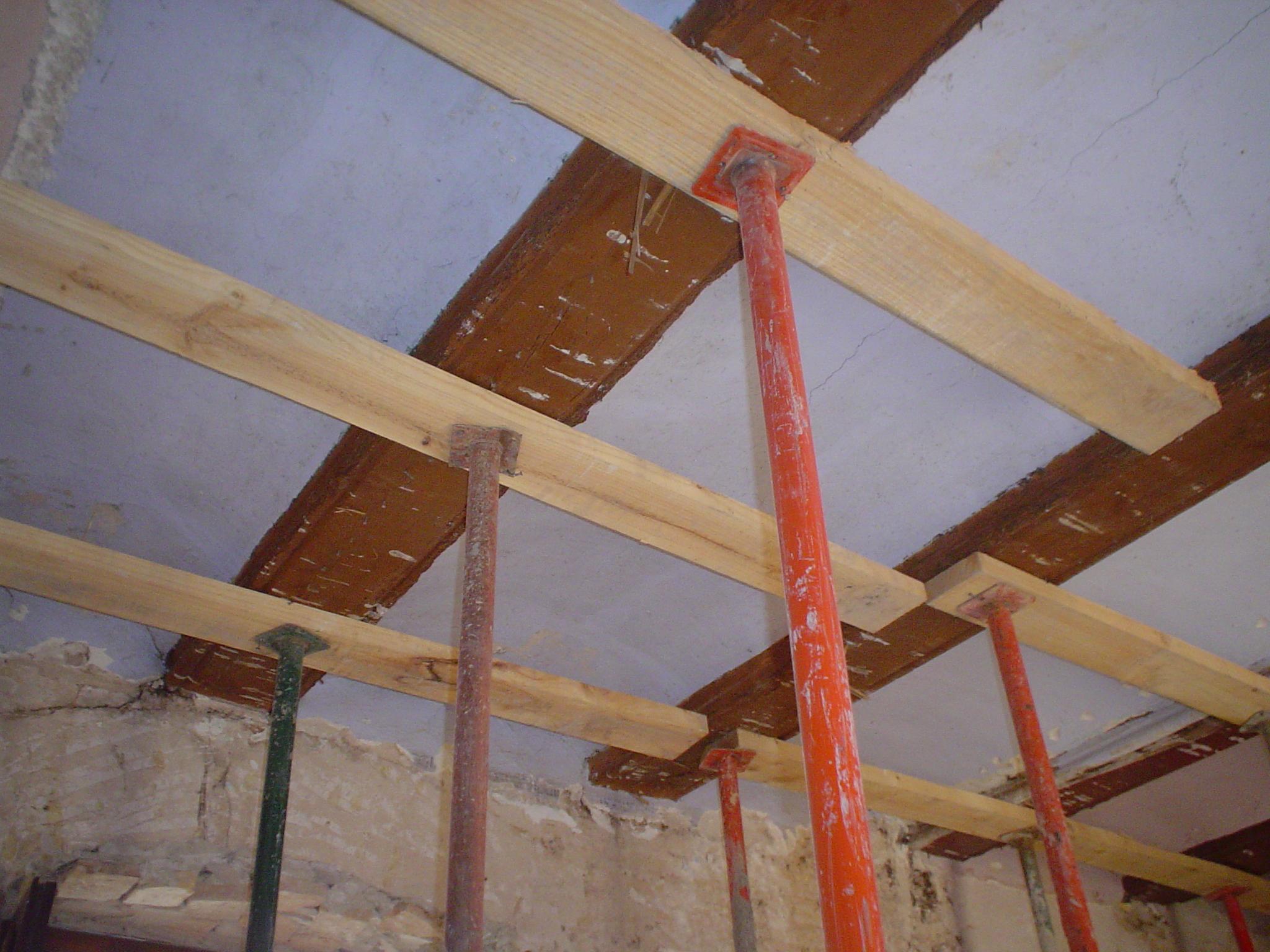 Rehabilitaci n de forjados de madera som arquitectura - Como colocar vigas de madera ...